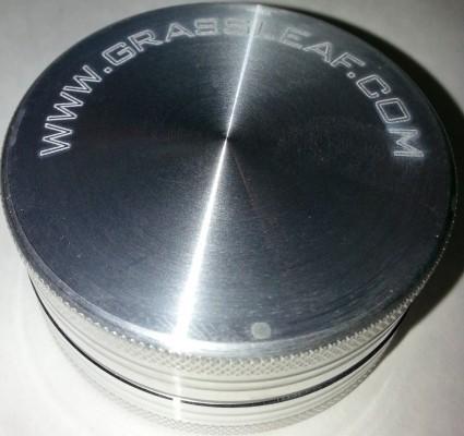 Alu Grinder 2 Teilig, 50mm in Alu oder Lila